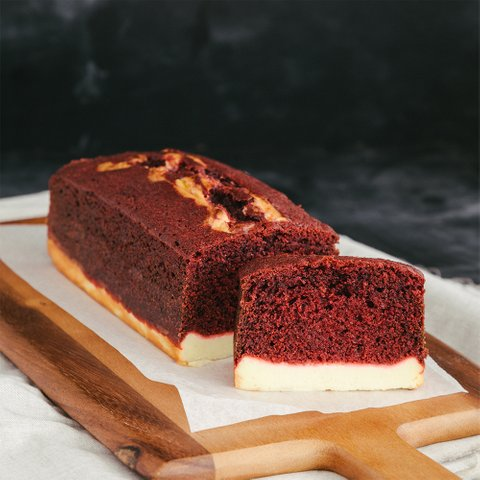 Red Velvet Cheese Loaf