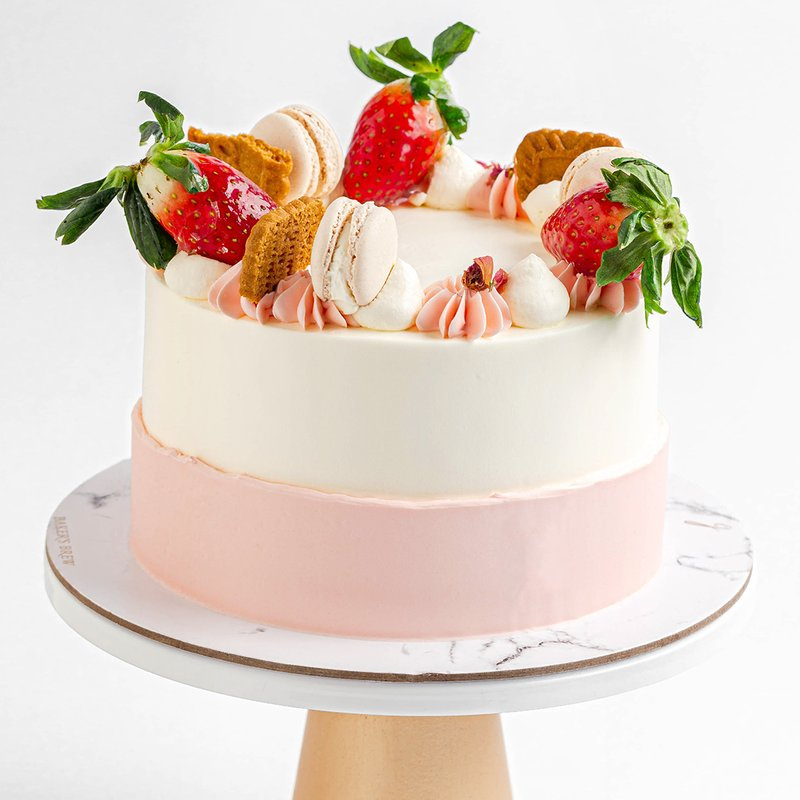Best Strawberry Speculoos Cake | Online Cake Delivery Singapore | Baker