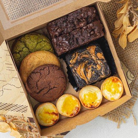 Signature Pastry Box