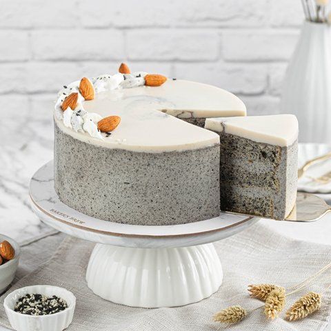 Black Sesame Almond Cake 4
