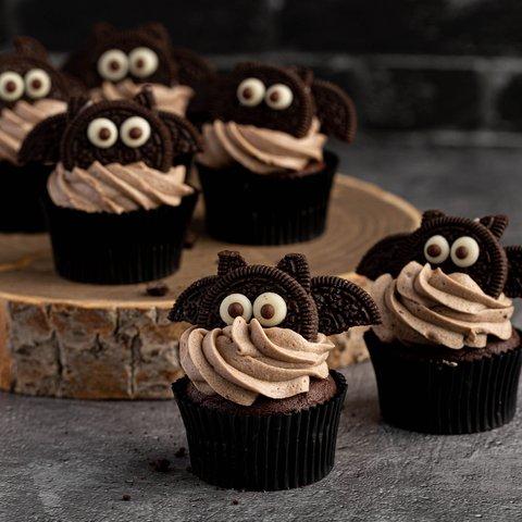 Spooky Bat Cupcakes